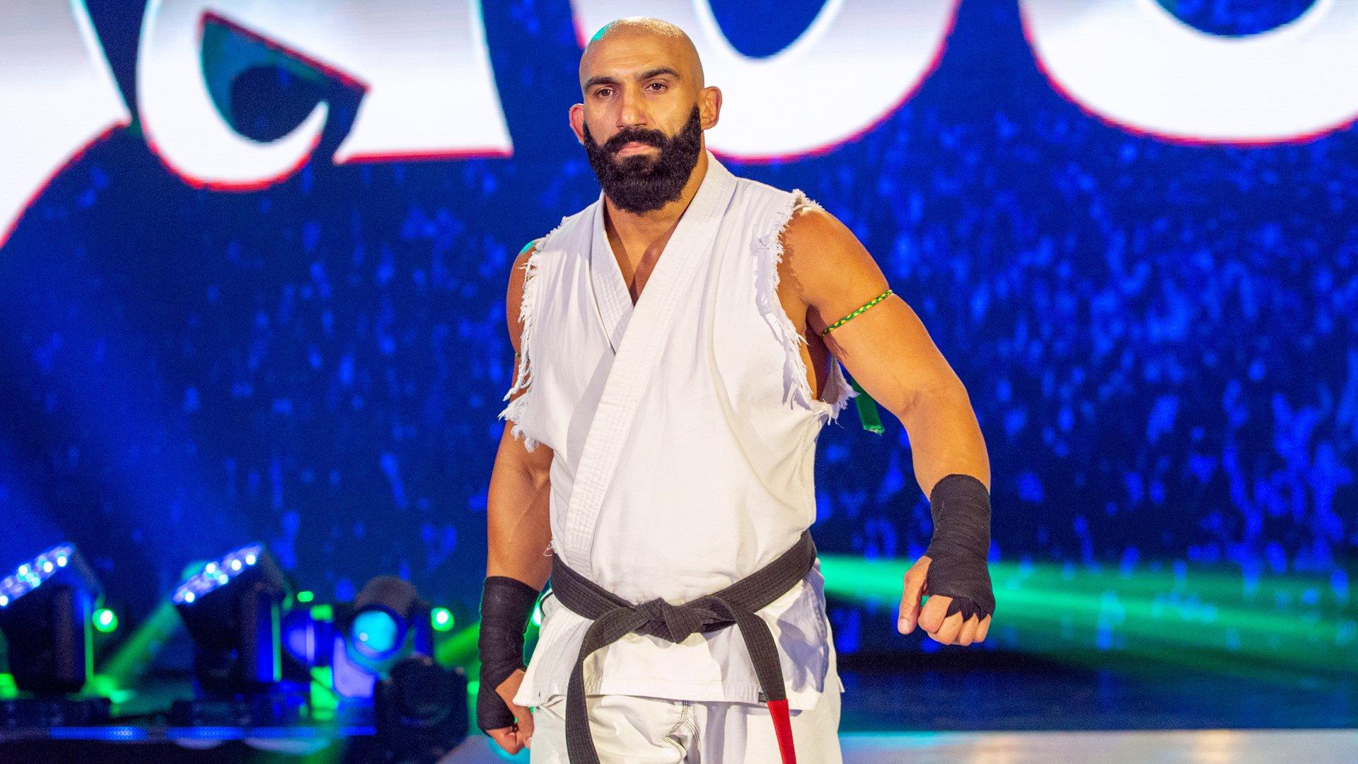 Arturo Ruas faz aparição no WWE NXT