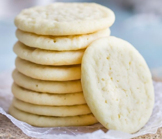 Soft and Chewy Sugar Cookies #desserts #treats