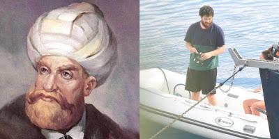 النجم التركي شاتاي أولسوي وحبيبته دويغو ساريتش في وسط البحر