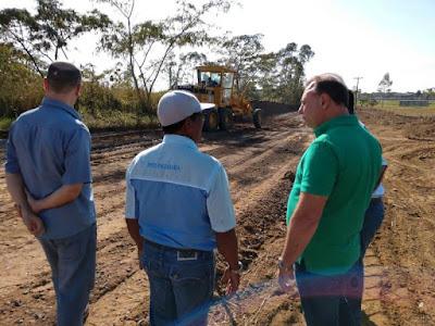 Prefeitura de Registro inicia obras de  pavimentação do acesso ao Agrochá via BR-116