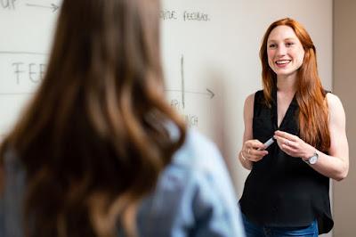 Mengajar Bahasa Inggris untuk SD - esaiedukasi.com
