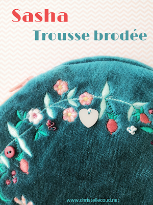 https://christellecoud.net/produit/sasha-trousse-velours-brodee/