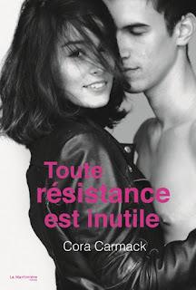 http://www.unbrindelecture.com/2016/07/toute-resistance-est-inutile-de-cora.html
