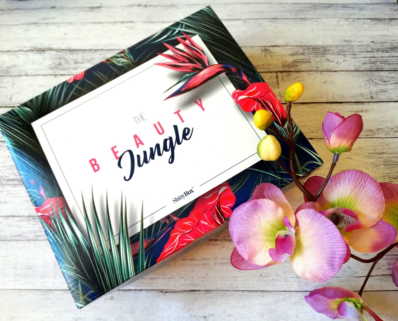 ShinyBox sierpień 2017 'Welcome to the Beauty Jungle'