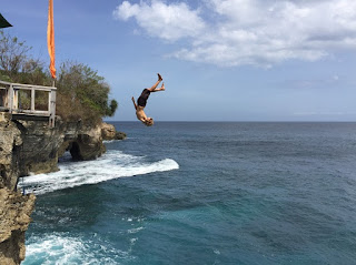 cliff jump point bali