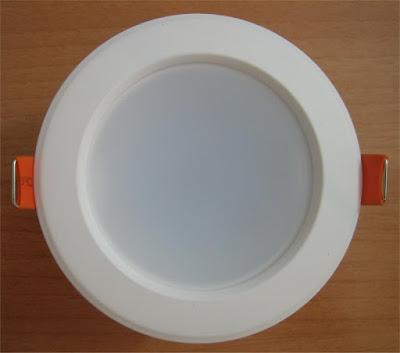 http://bombillasdebajoconsumo.blogspot.com.es/2020/06/downlight-led-lux-de-efectoled-6w-450.html