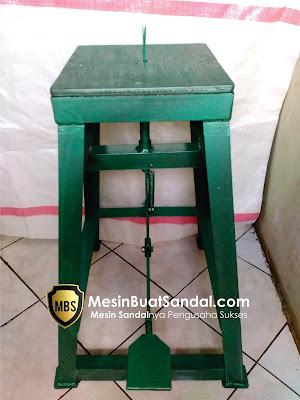 Mesin Penarik Jepit Sandal