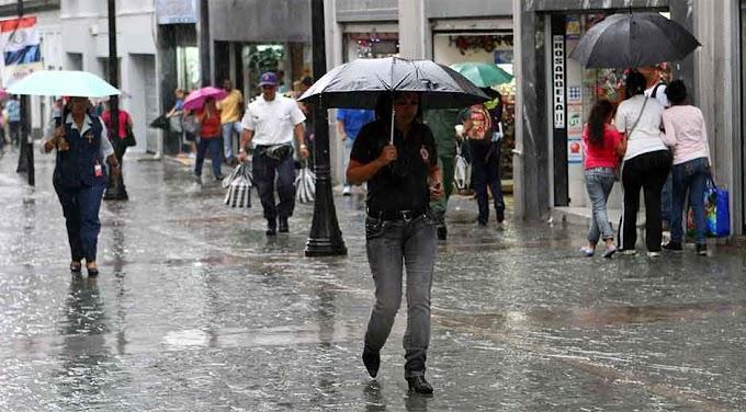 Onda tropical y vaguada generarán lluvias este lunes en República Dominicana