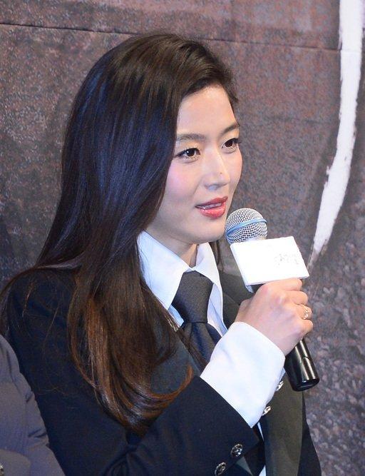 Jun Ji Hyun, çıkan haberlerin aksine kiracılarına kira indirimi yapmadı?