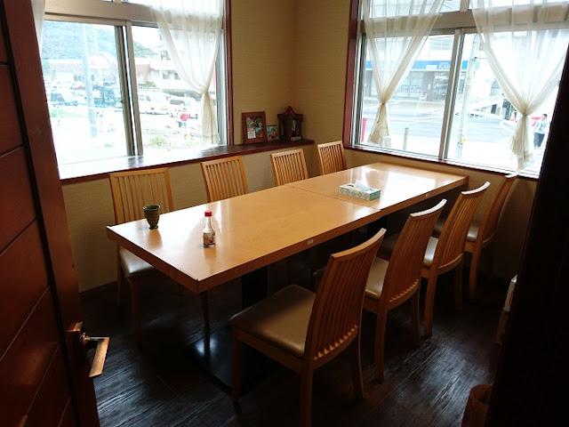 沖縄食堂ちょんちょん家の店内の写真