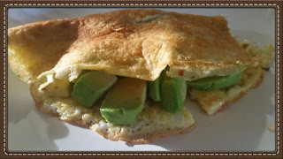 3 ingredient breakfast recipe - avocado omelet.