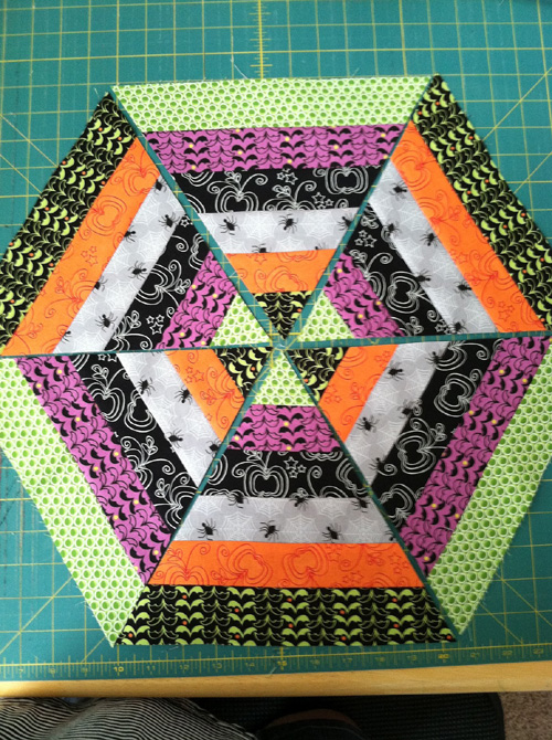 Spider Web Table Topper - Quilt Tutorial