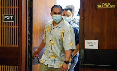 Case not dismissed against 3 police officers charged with killing teen, Feds: prosecutor Kealoha spread cocaine on husband Honolulu police chief s desk, COVID cases continue climb, more news from all the Hawaiian Islands