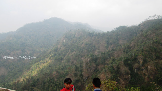 Sesampai di Puncak Gunung Kukusan