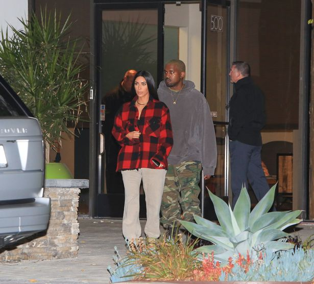 vPAY-PREMIUM-EXCLUSIVE-Happy-couple-Kim-and-Kanye-out-in-Beverly-Hills