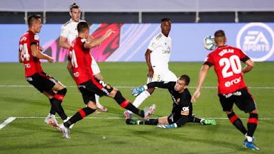 """Video Real Madrid 2-0 Mallorca: SAO 19 tuổi """"mở khóa"""", mãn nhãn siêu phẩm"""