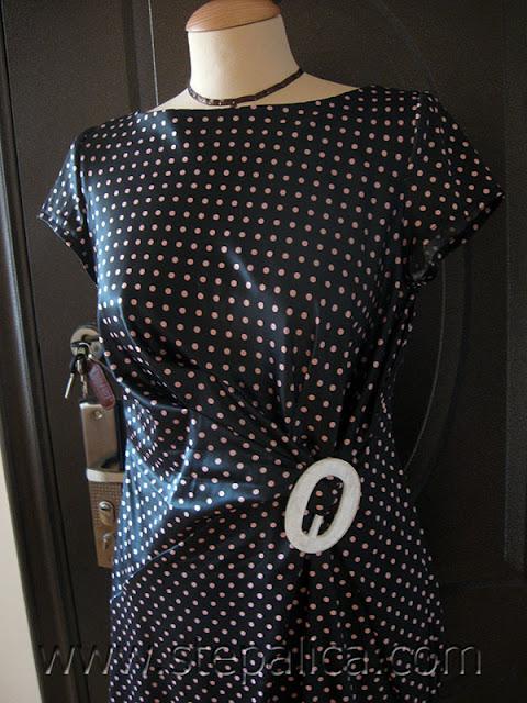 Štepalica: Polkadots dress with a knot