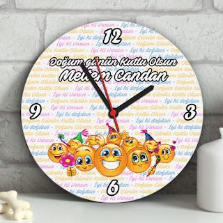 Emoji Duvar Saatleri