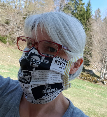 Luna Lovequilts - Fabric mask tutorial - Three layers and ties