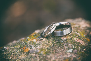 advantages and disadvantages of early marriage