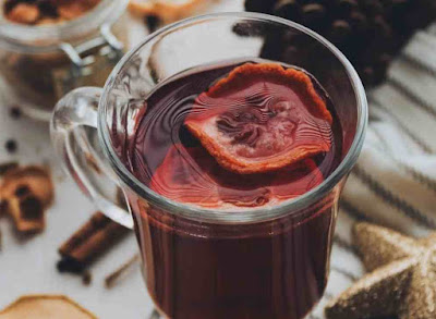شاي جذور الزنجبيل والكركديه