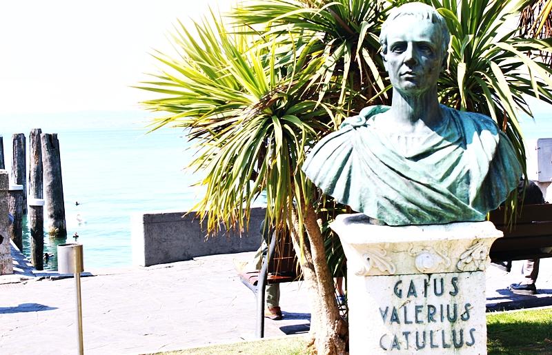 Gaius Valerius Catullus bust sculpture in Sirmione