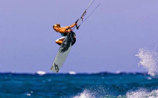 Kitesurf radical salto