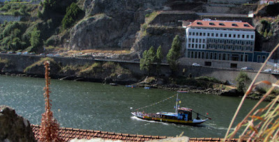 vista para o rio Douro e barco