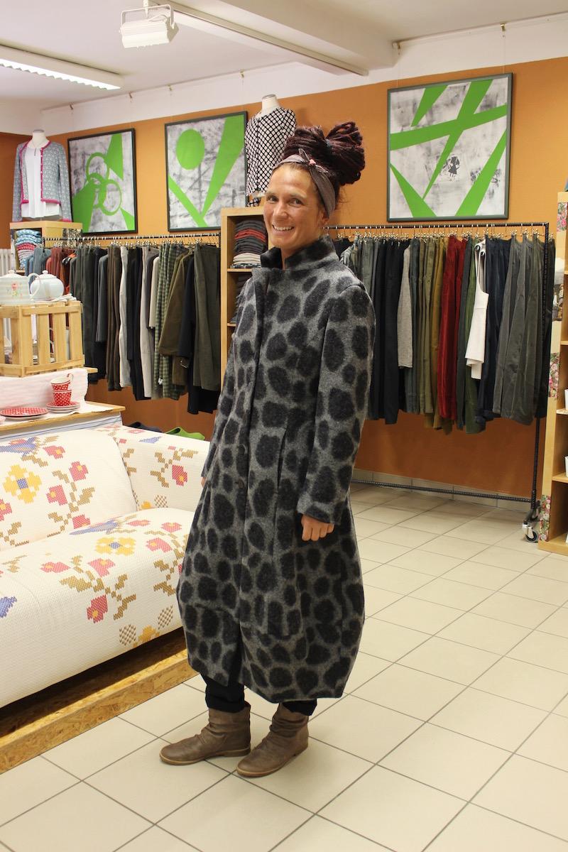 naturmoden steffi hacke warmer wintermantel von lana. Black Bedroom Furniture Sets. Home Design Ideas
