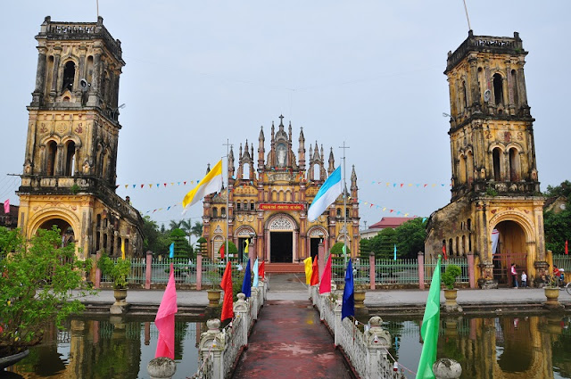 Top 8 churches in Nam Dinh attract tourists 4