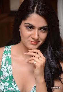 Sakshi-Chaudhary-Stills-at-Selfie-Raja-Movie-Song-Launch