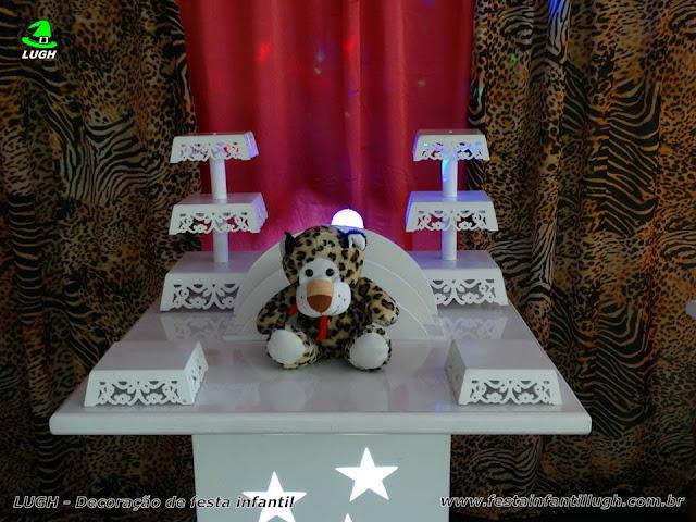 Decoração de mesa da Oncinha