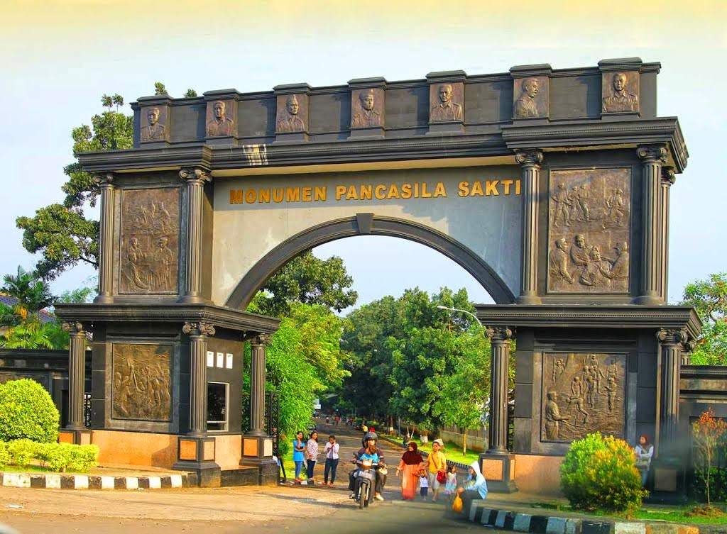 Monumen Pancasila Sakti Seputar Lubang Buaya
