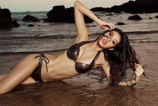 Hoa hậu Khánh Vân bất ngờ 'khui' lại ảnh mặc bikini quyến rũ, chân dài nóng bỏng gây 'sốt' mạng