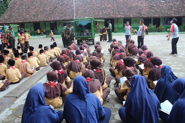 Koramil Gelar Pembekalan Wawasan Kebangsaan Kepada Siswa Siswi Midur
