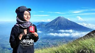 Contoh Outfit Hijab untuk Naik Gunung
