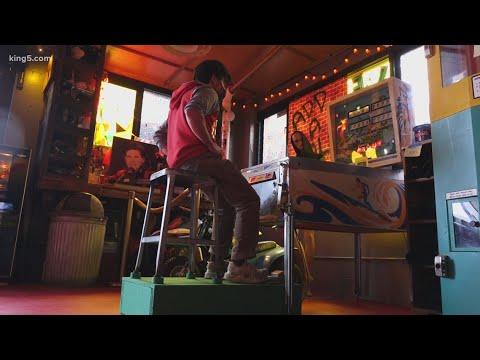 Las arcades luchan contra COVID presentando una máquina de pinball sin manos
