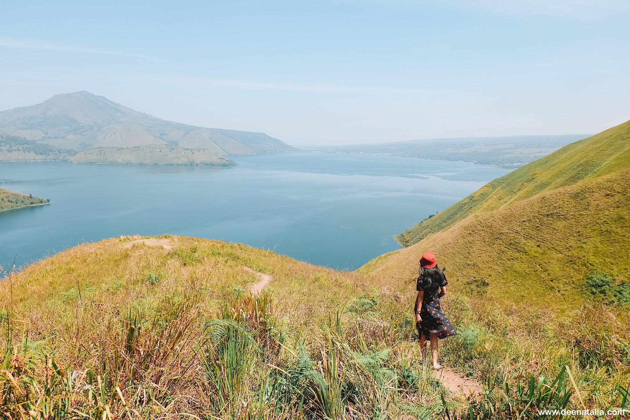 Bukit Holbung Pulau Samosir