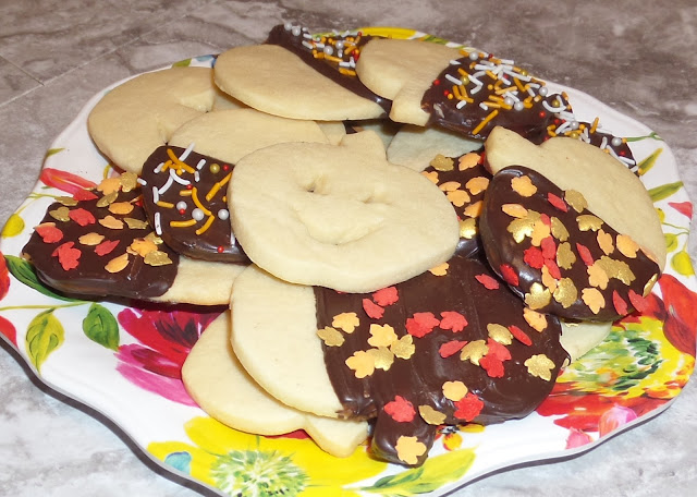 pumpkin cutout cookies
