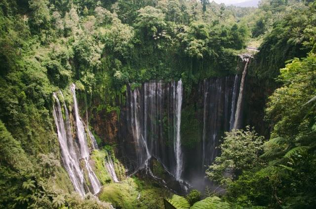 Lebih dari 100 m! 8 air terjun tertinggi di Indonesia!