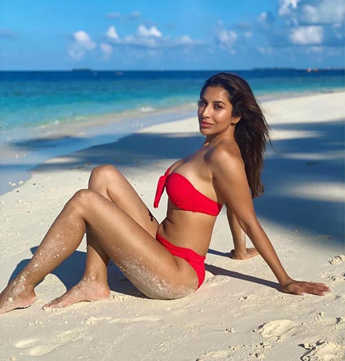 Sophie Choudry shows off her sexy body in red bikini for hot photoshoot for Global Spa Magazine Navel Queens