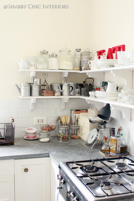 Restyling di una cucina ikea shabby chic interiors - Ikea mensole cucina ...