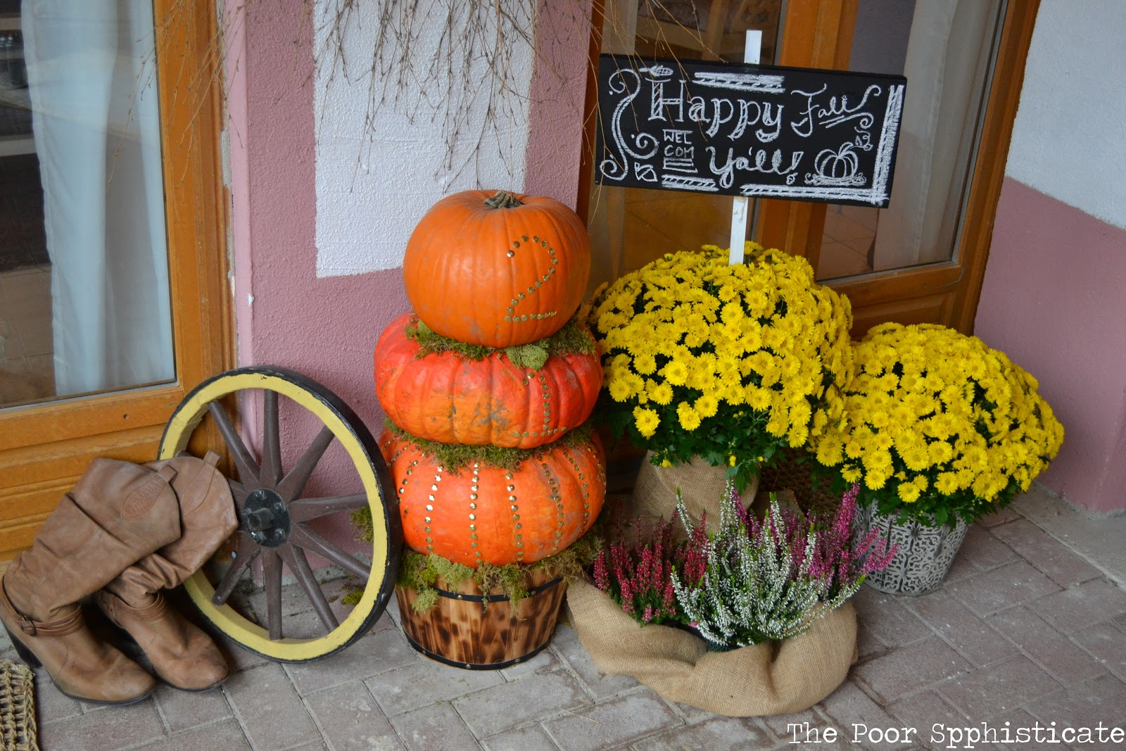 The poor sophisticate fall front porch - Fall porch decorating ideas ...