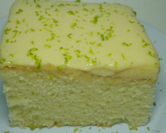 bolo de limão com cobertura