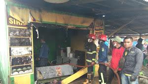 Kios Pisang Pasir Sakha di Mabar Nyaris Ludes Terbakar