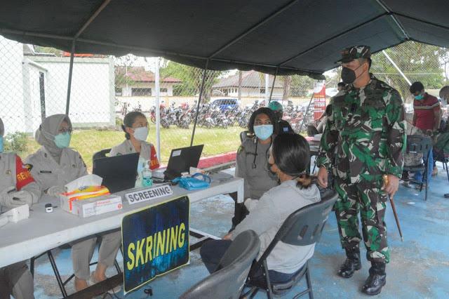 Izak Pangemanan Tinjau Serbuan Vkasinisasi Dosis Kedua TNI-POLRI Bersama Pemkot Jayapura