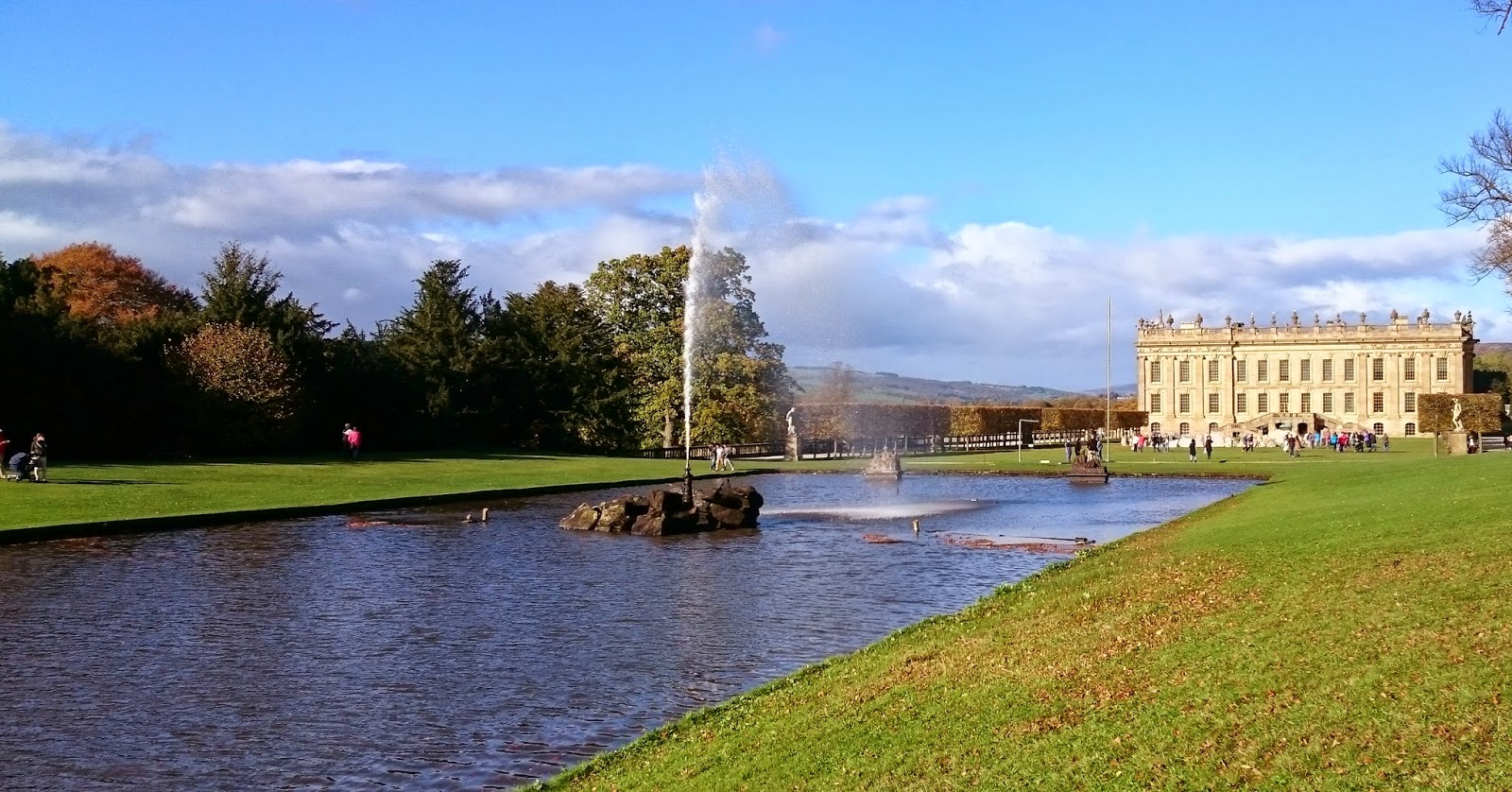 The Emperor Fountain with Chatsworth House in the background