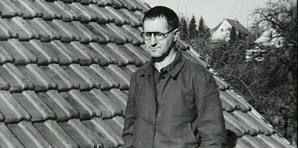 El valor de escribir la verdad   por Bertolt Brecht