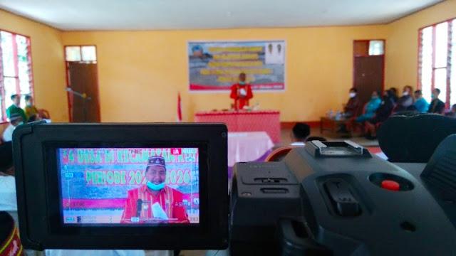 Jaghur Stefanus Lantik 96 Anggota dari 14 BPD di Kecamatan Kota Komba.lelemuku.com.jpg
