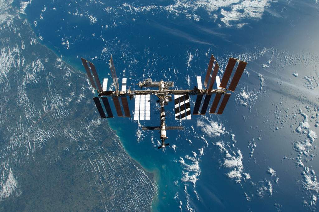 Iss Wallpapers Hd: Mavis Fitzpatrick: Space Station Wallpaper Hd